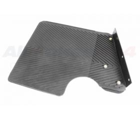 MUDFLAP ASSEMBLY - REAR - LH - 90 WHEELBASE - WITH BRACKET - 90 07>